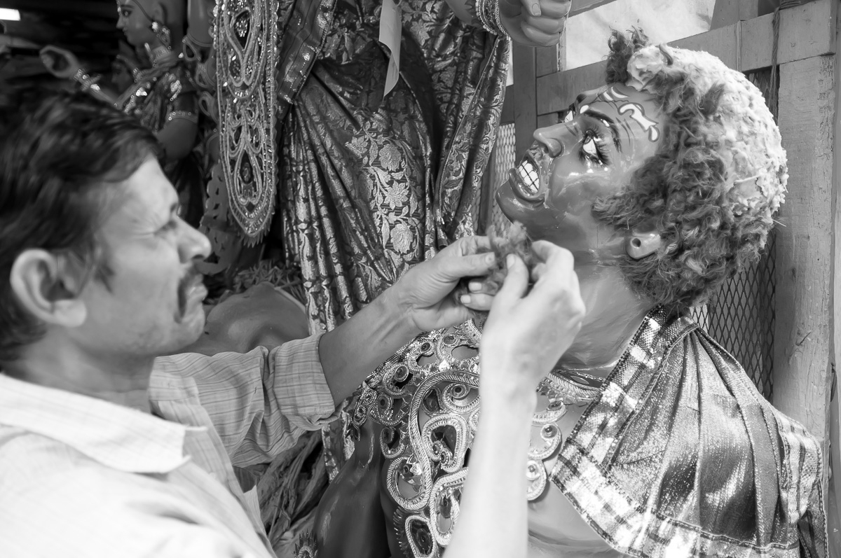 The Potters of Kumartuli – Where the Durga Puja Story Begins
