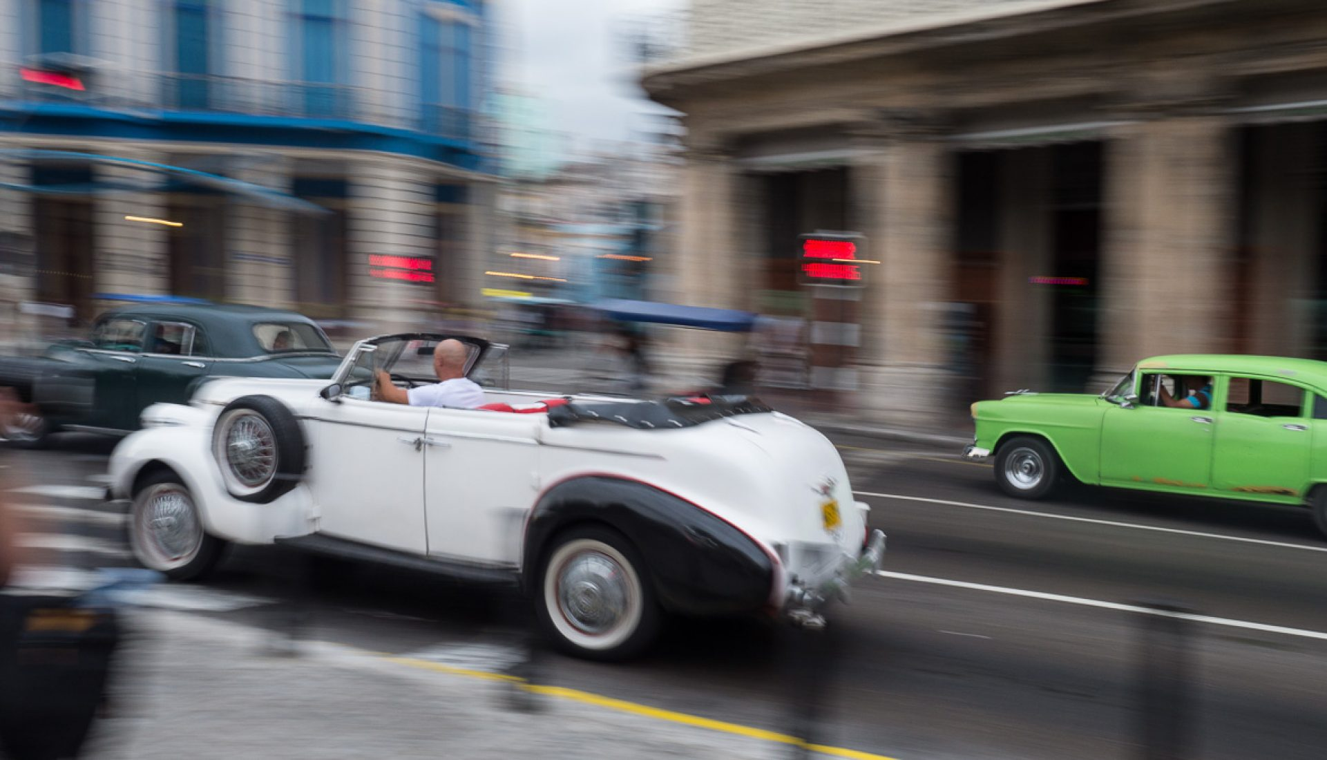 On the Go – The Yank Tanks of Havana, Cuba
