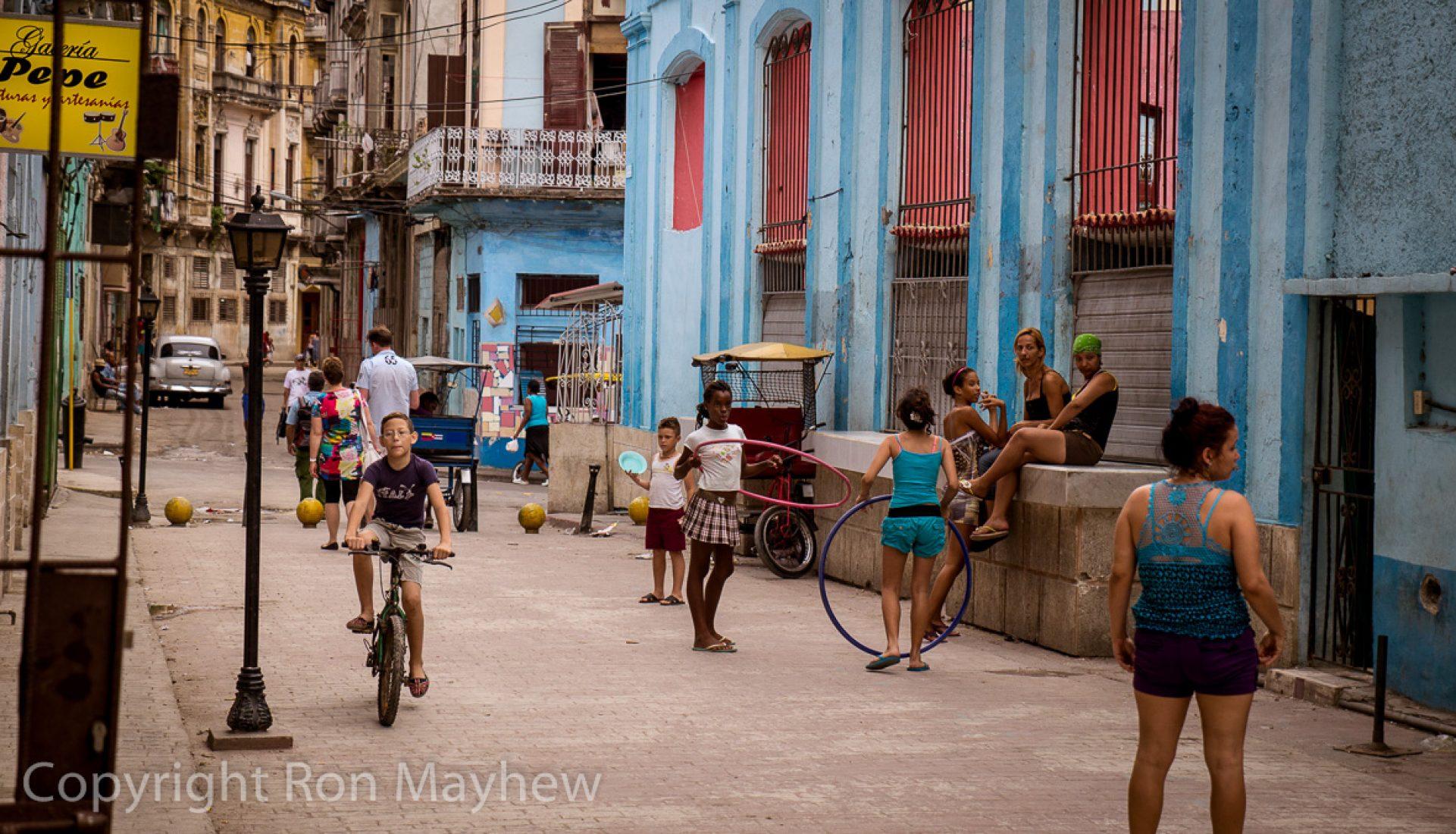 Neighborhood Life – Havana