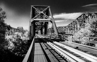 Leaving Memphis, Looking West
