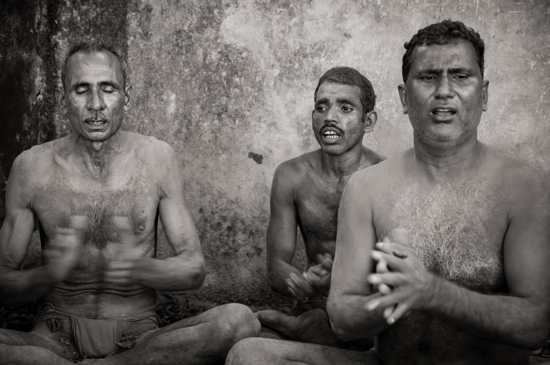 Traditional Kusti Wrestlers chant their prayers - Kolkata, India