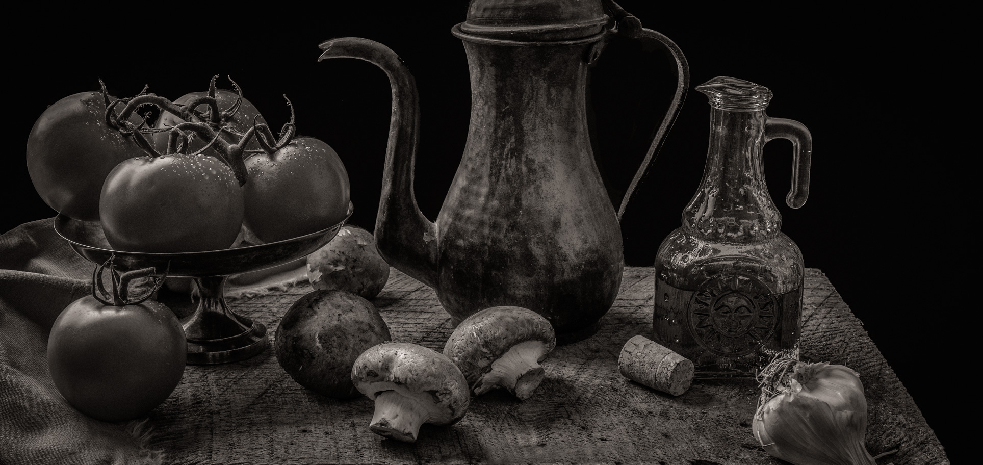 Tomatoes and Mushrooms | Monochrome Version